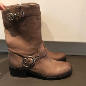 Vince camuto leather boots 9M 40